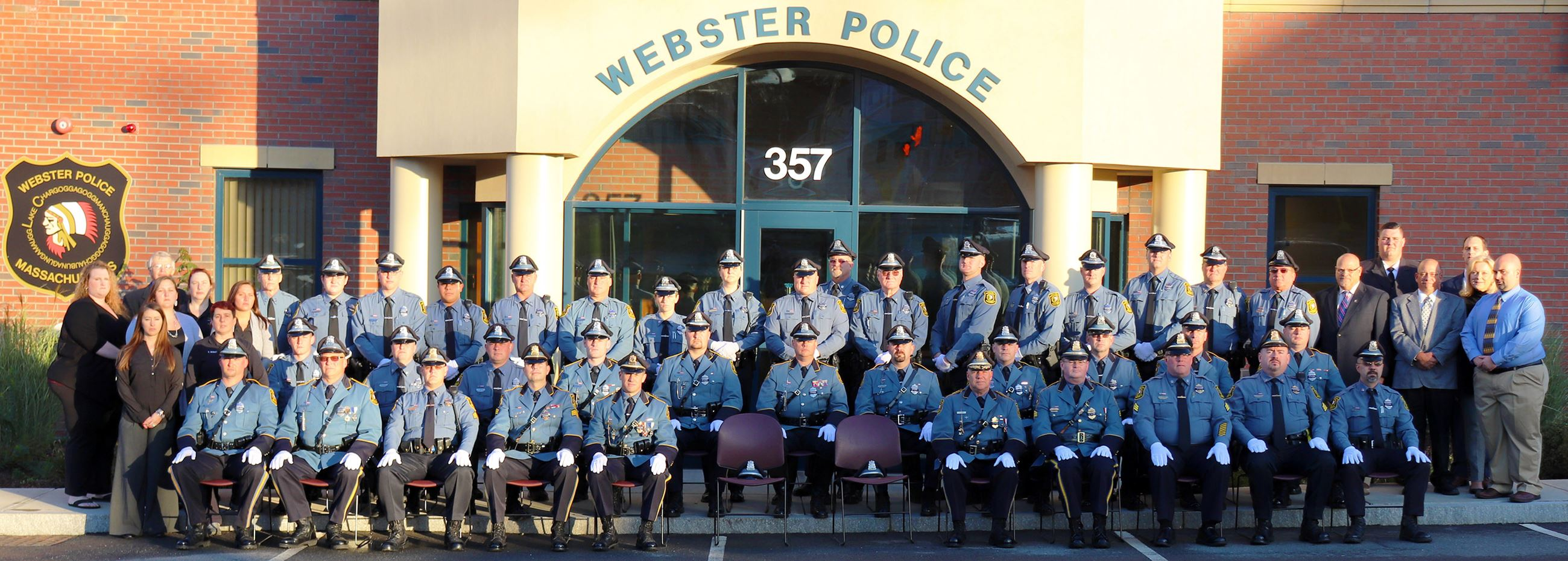 Group photograph of the 2017 Police Force in Uniform outside of headquarters